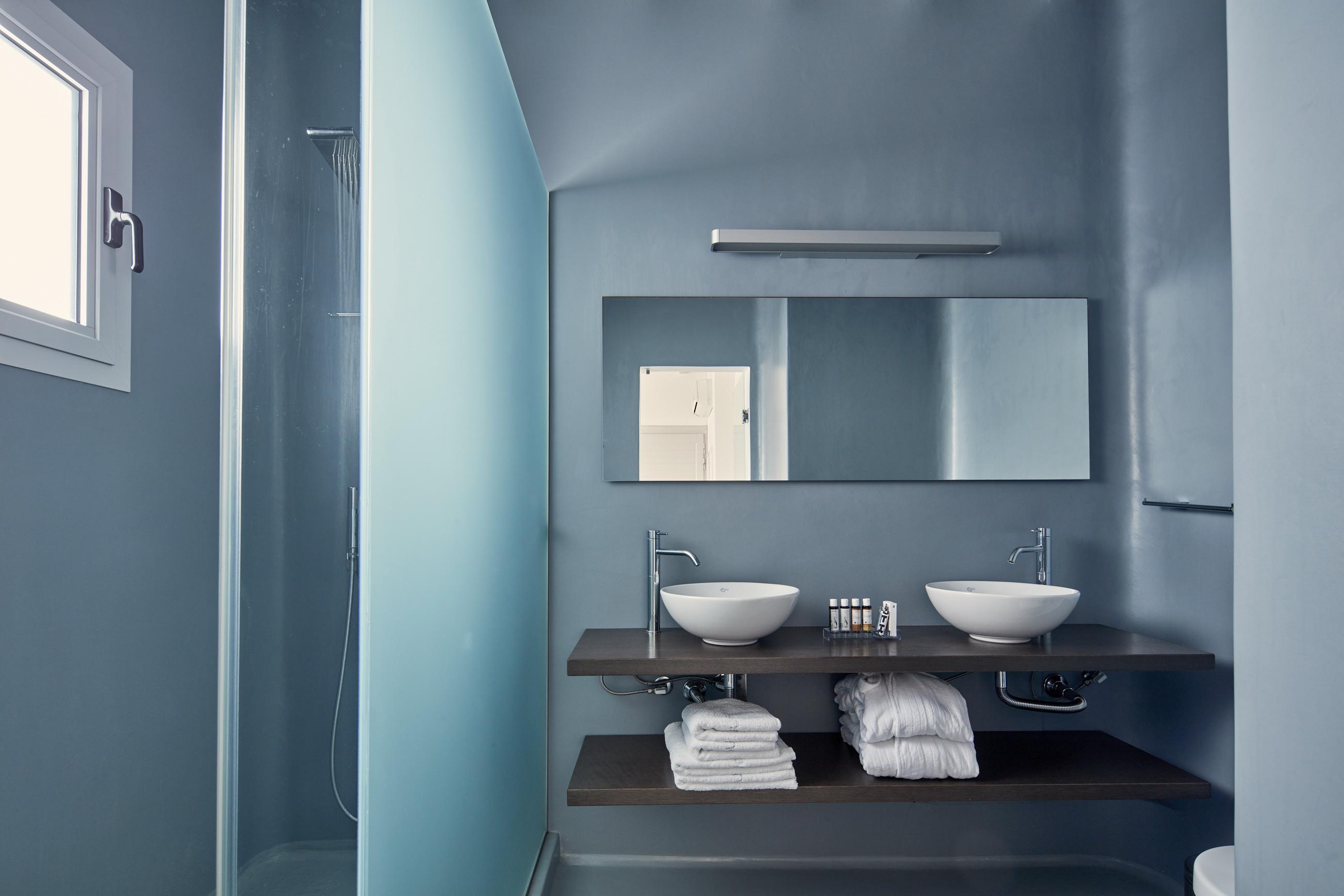 junior-suite-Kouros-Hotel-5_resize